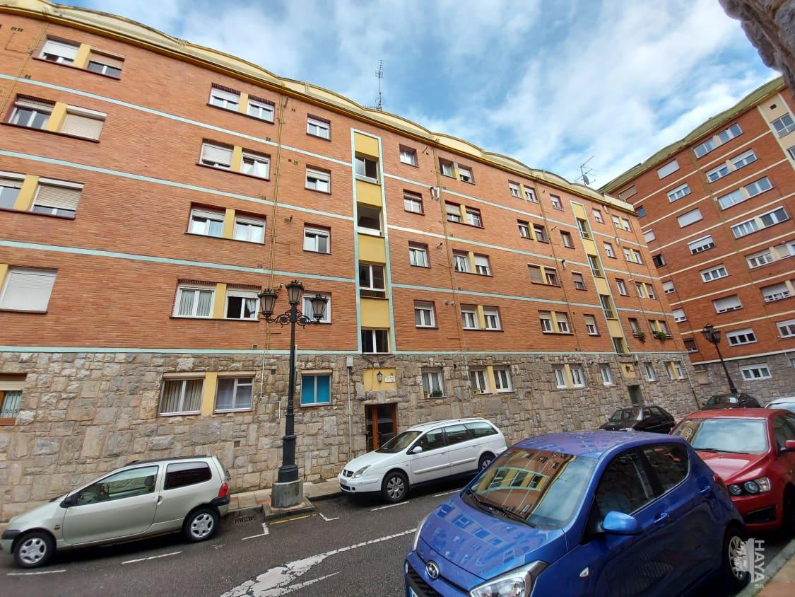 Piso en venta en La Corredoria Y Ventanielles, Oviedo, Asturias, Calle Costa Verde, 47.600 €, 3 habitaciones, 1 baño, 72 m2