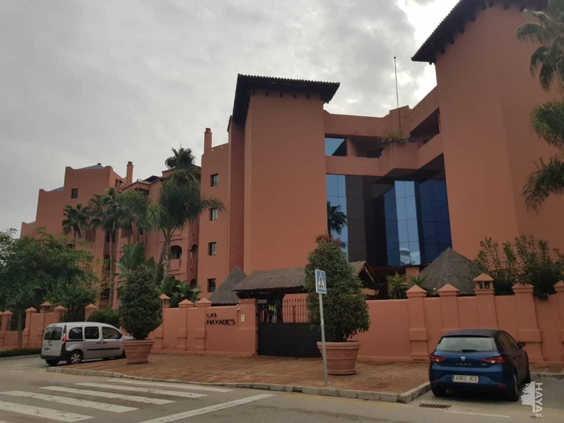 Piso en venta en Barriada Islas Canarias, Estepona, Málaga, Calle la Nayades, 467.800 €, 4 habitaciones, 1 baño, 262 m2