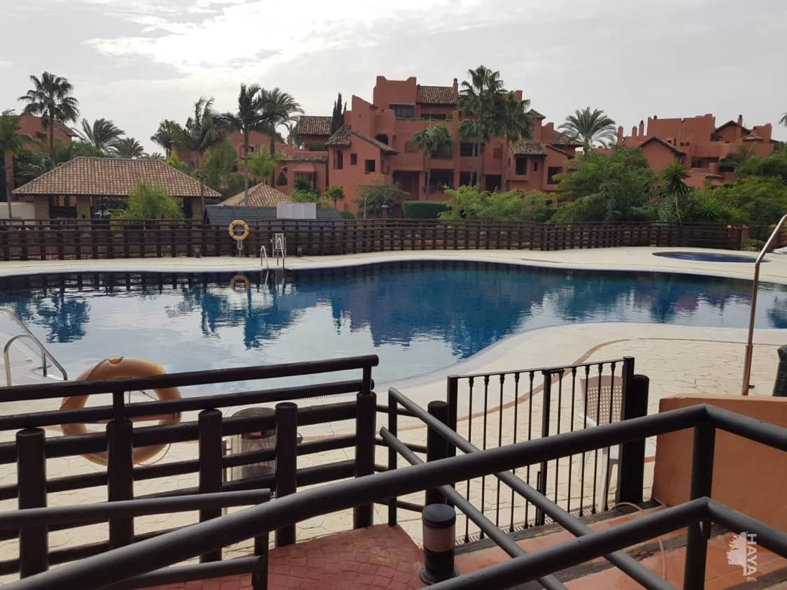 Piso en venta en Piso en Estepona, Málaga, 441.600 €, 4 habitaciones, 1 baño, 262 m2