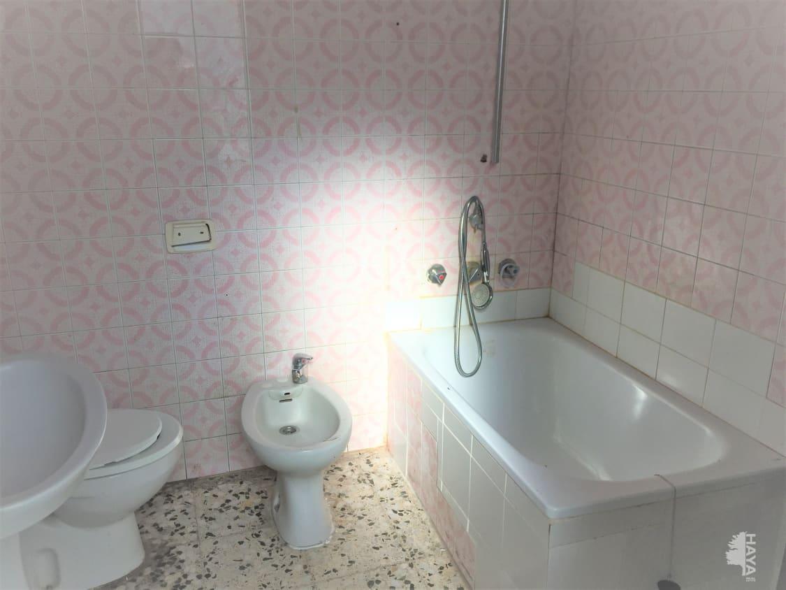 Piso en venta en Piso en Vilanova I la Geltrú, Barcelona, 98.300 €, 1 baño, 77 m2