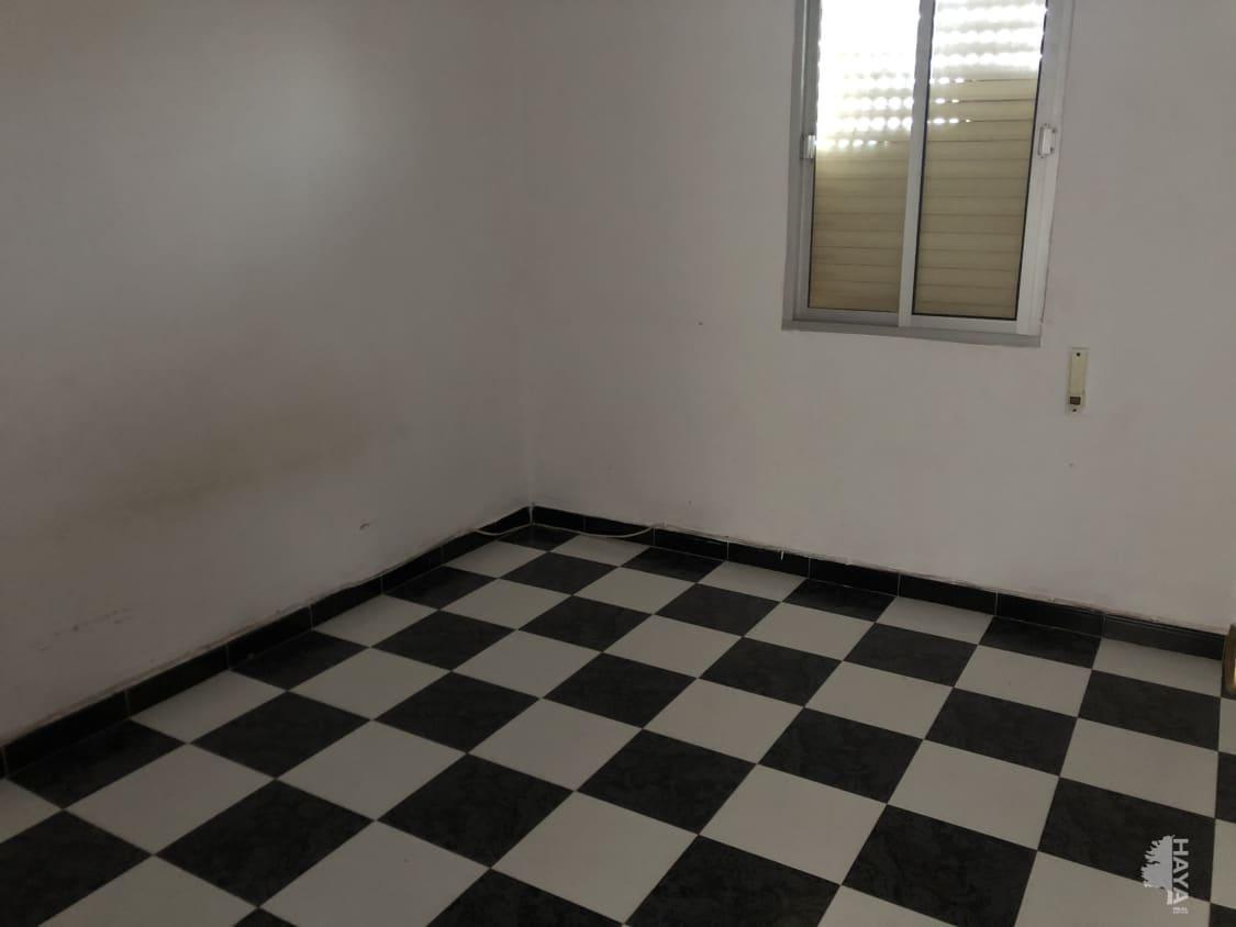 Piso en venta en Piso en la Línea de la Concepción, Cádiz, 63.800 €, 3 habitaciones, 1 baño