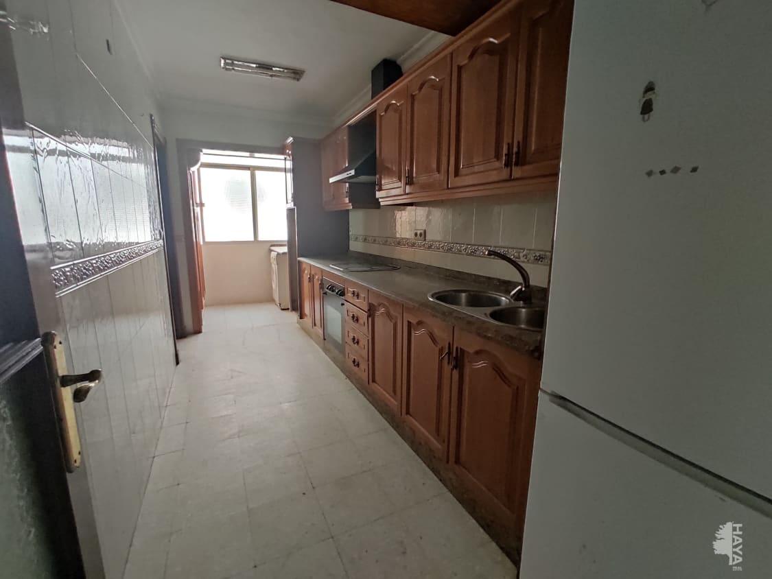 Piso en venta en Chiclana de la Frontera, Cádiz, Calle Caja de Ahorros, 61.000 €, 3 habitaciones, 1 baño, 94 m2