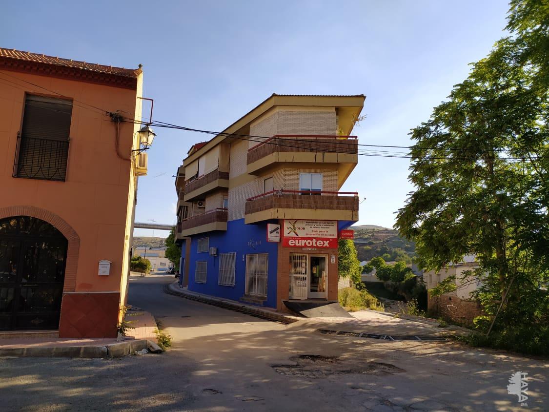 Piso en venta en Iznalloz, Iznalloz, Granada, Calle Explanada Est, 72.500 €, 4 habitaciones, 2 baños, 143 m2