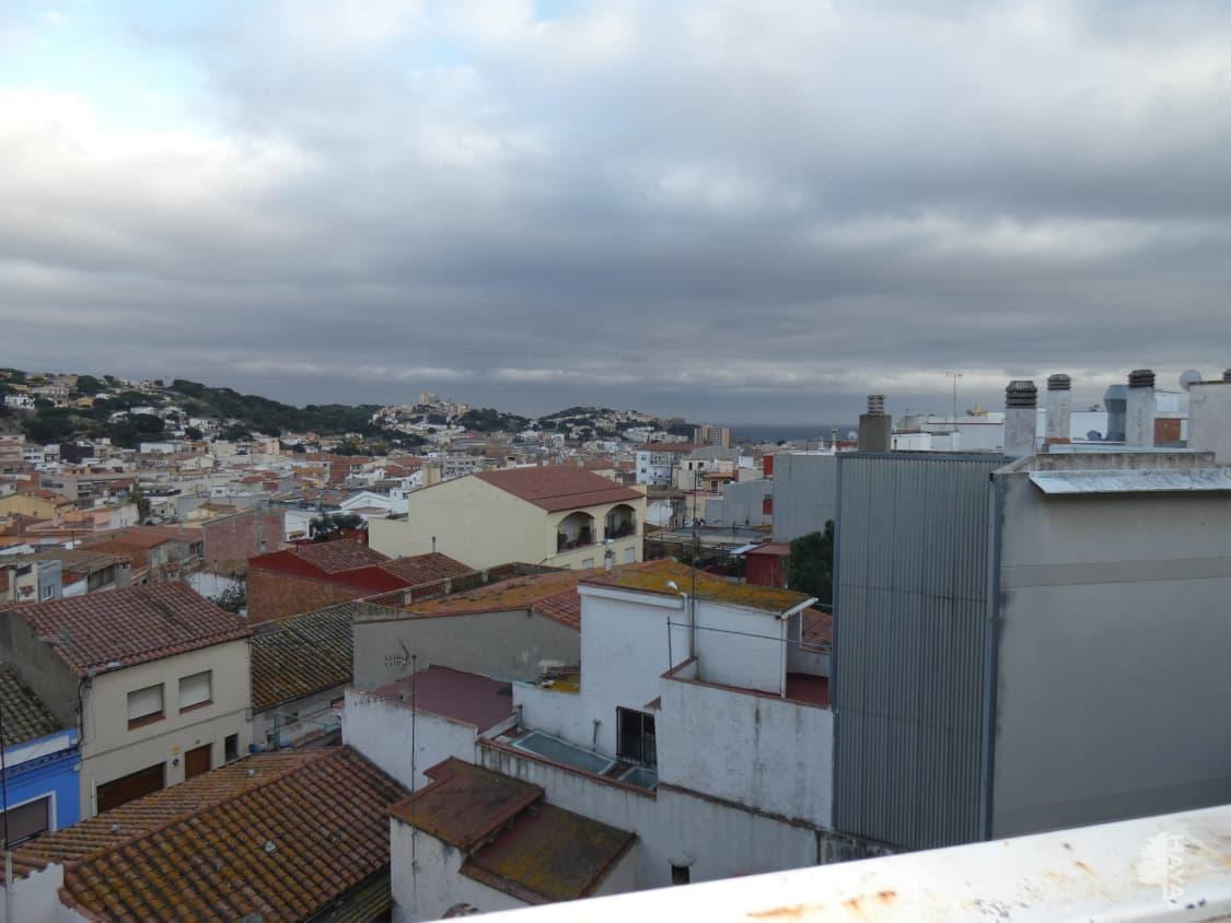 Piso en venta en Sant Feliu de Guíxols, Girona, Calle Miquel Suris, 112.000 €, 3 habitaciones, 1 baño, 104 m2