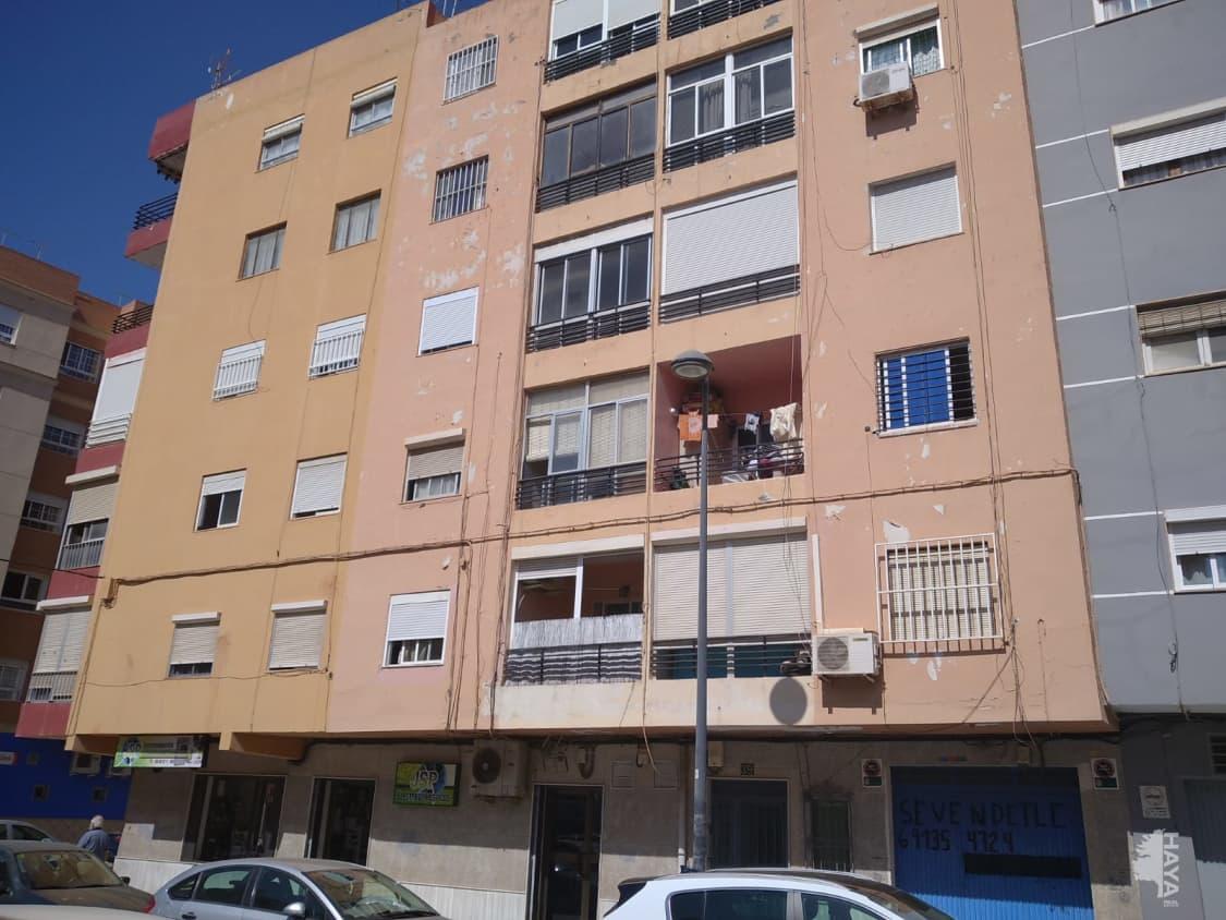 Piso en venta en El Zapillo, Almería, Almería, Calle Estadio, 49.000 €, 3 habitaciones, 1 baño, 86 m2