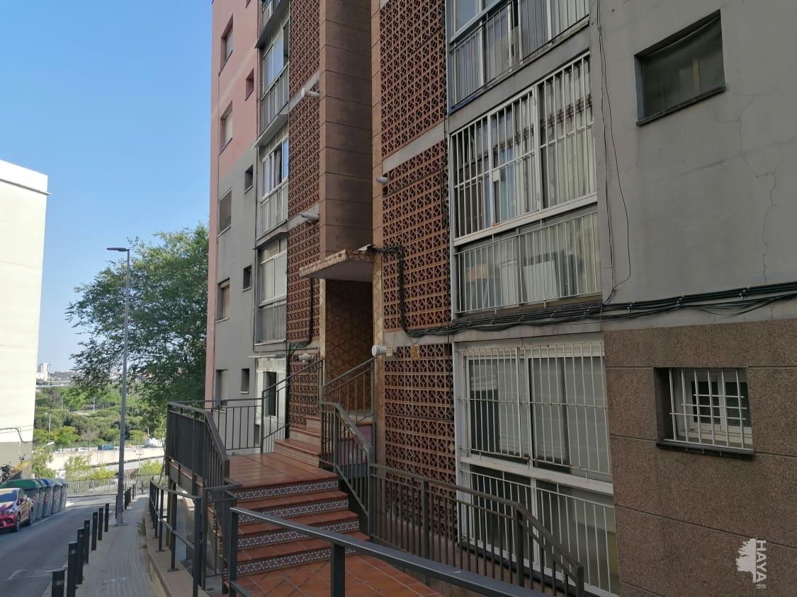 Piso en venta en Santa Coloma de Gramenet, Barcelona, Pasaje Juli Garreta, 107.800 €, 3 habitaciones, 1 baño, 78 m2