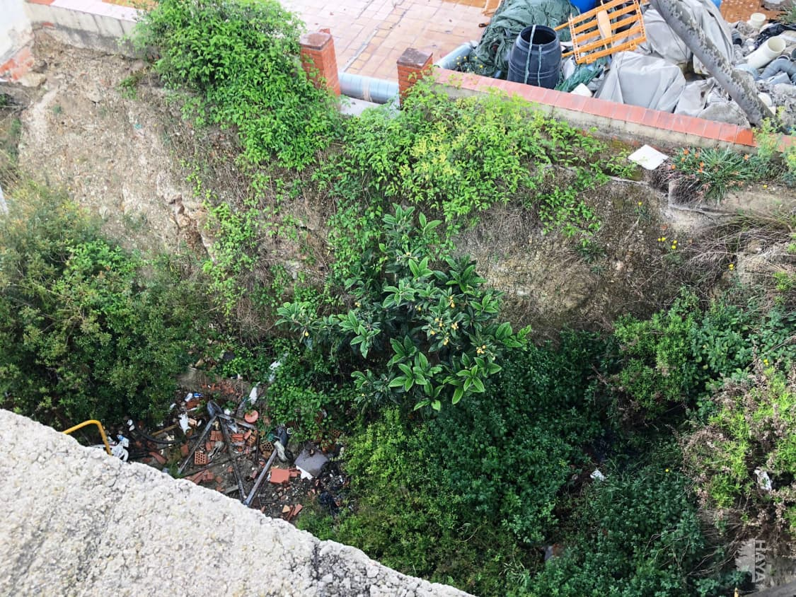 Casa en venta en Casa en Sant Vicenç Dels Horts, Barcelona, 253.000 €, 1 baño, 276 m2