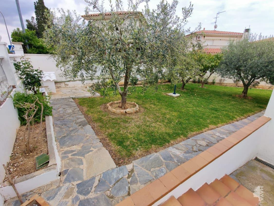 Casa en venta en Casa en Banyeres del Penedès, Tarragona, 275.000 €, 4 habitaciones, 2 baños, 143 m2