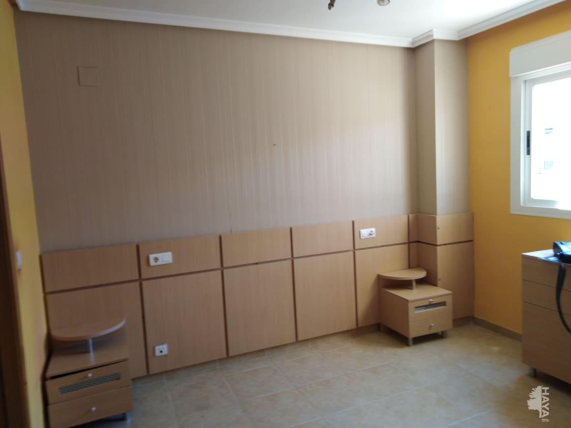 Piso en venta en Piso en Oropesa del Mar/orpesa, Castellón, 82.664 €, 2 habitaciones, 1 baño, 106 m2