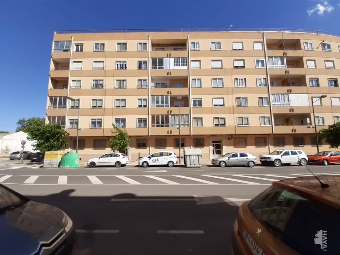 Piso en venta en Utiel, Valencia, Calle Heroes del Tollo, 56.300 €, 3 habitaciones, 1 baño, 109 m2