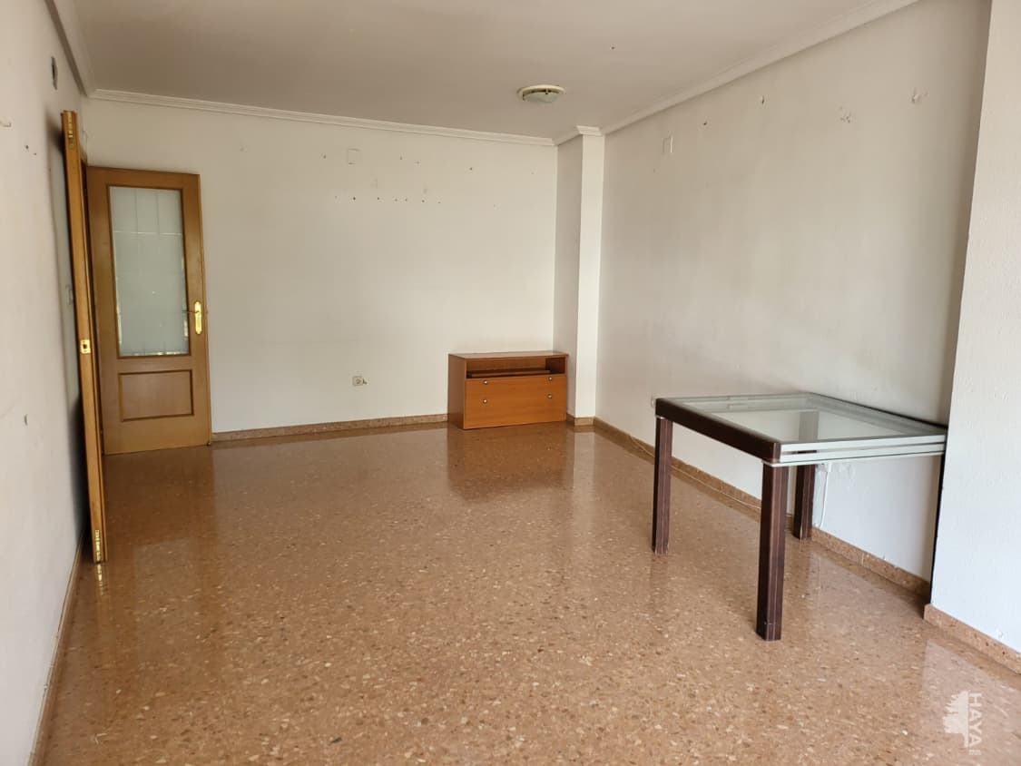 Piso en venta en Montserrat, Valencia, Calle Buscaita, 66.700 €, 130 m2