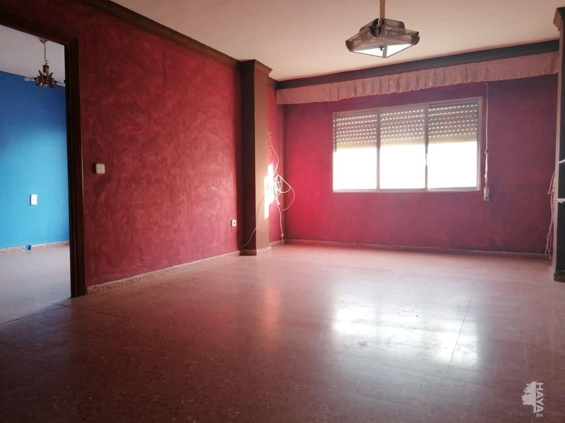Piso en venta en Alginet, Valencia, Avenida Reyes Catolicos, 54.200 €, 3 habitaciones, 2 baños, 110 m2