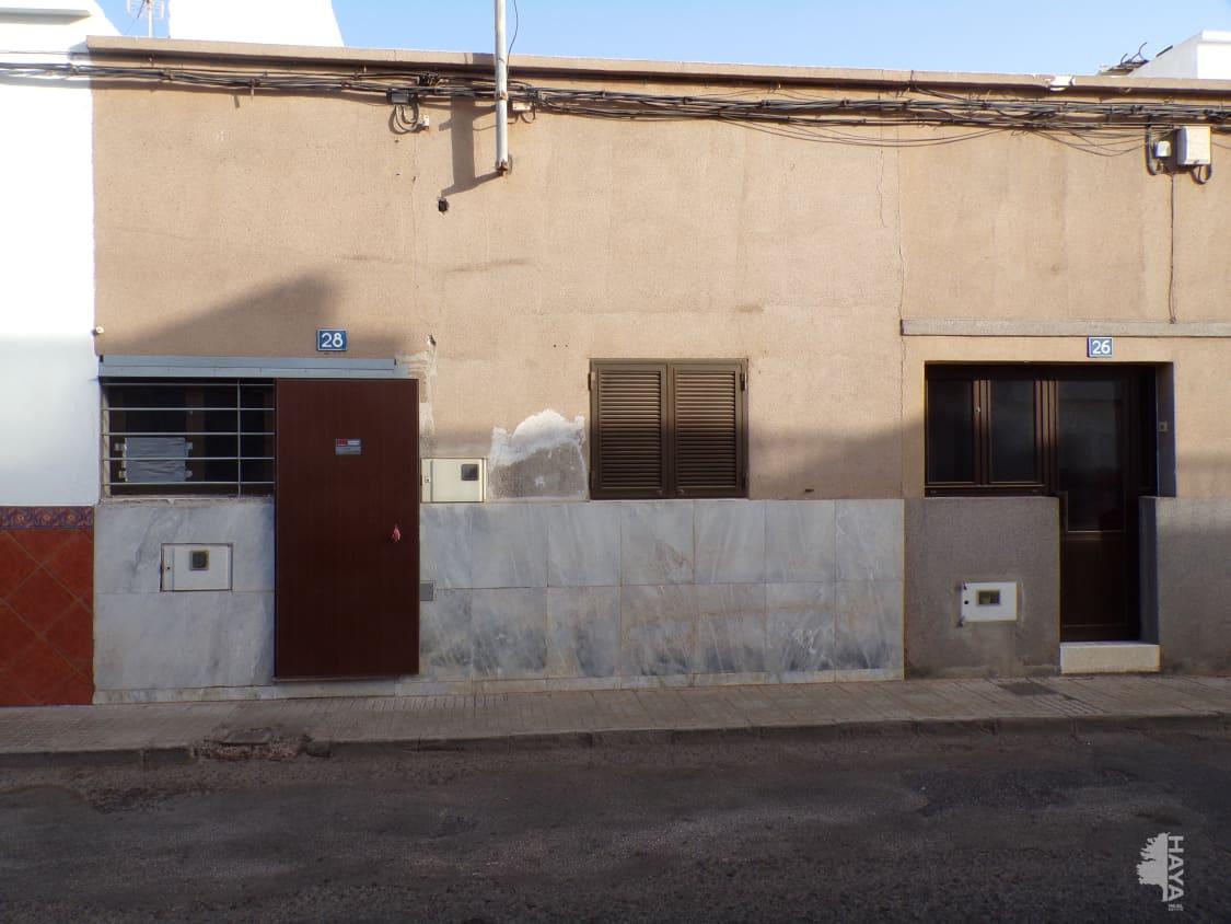 Casa en venta en Arrecife, Las Palmas, Calle Menendez Y Pelayo, 112.300 €, 4 habitaciones, 1 baño, 101 m2