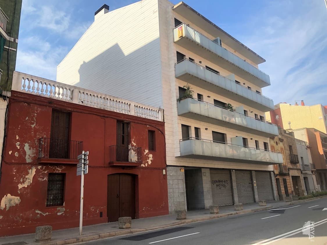 Local en venta en Local en Molins de Rei, Barcelona, 300.000 €, 254 m2