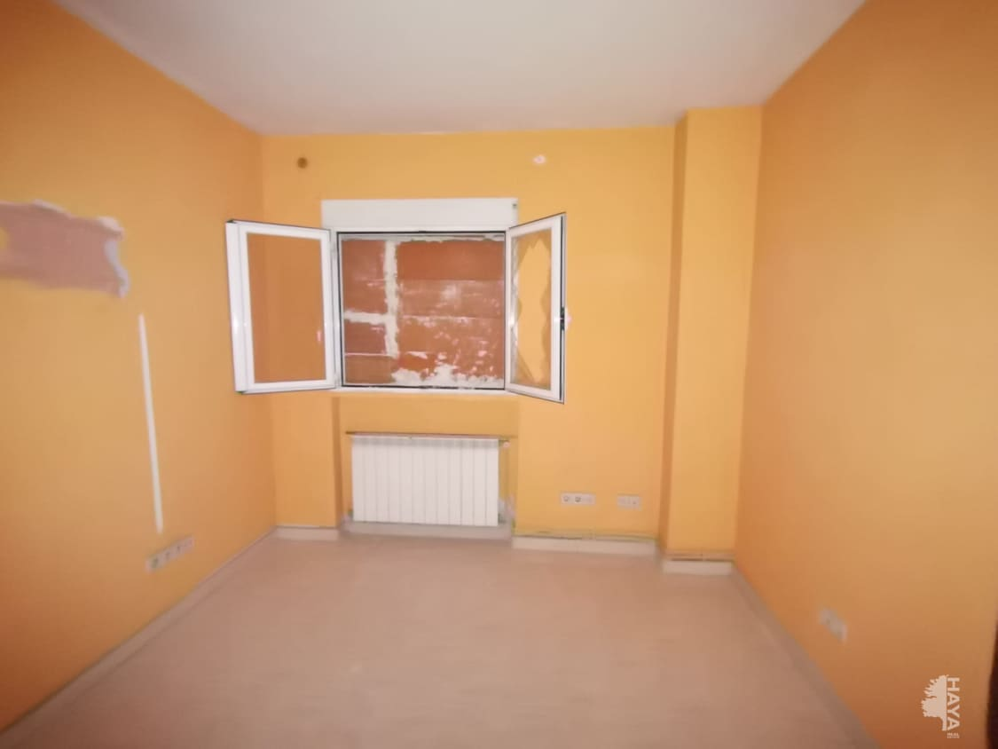 Piso en venta en Piso en Madrid, Madrid, 90.666 €, 3 habitaciones, 1 baño, 56 m2