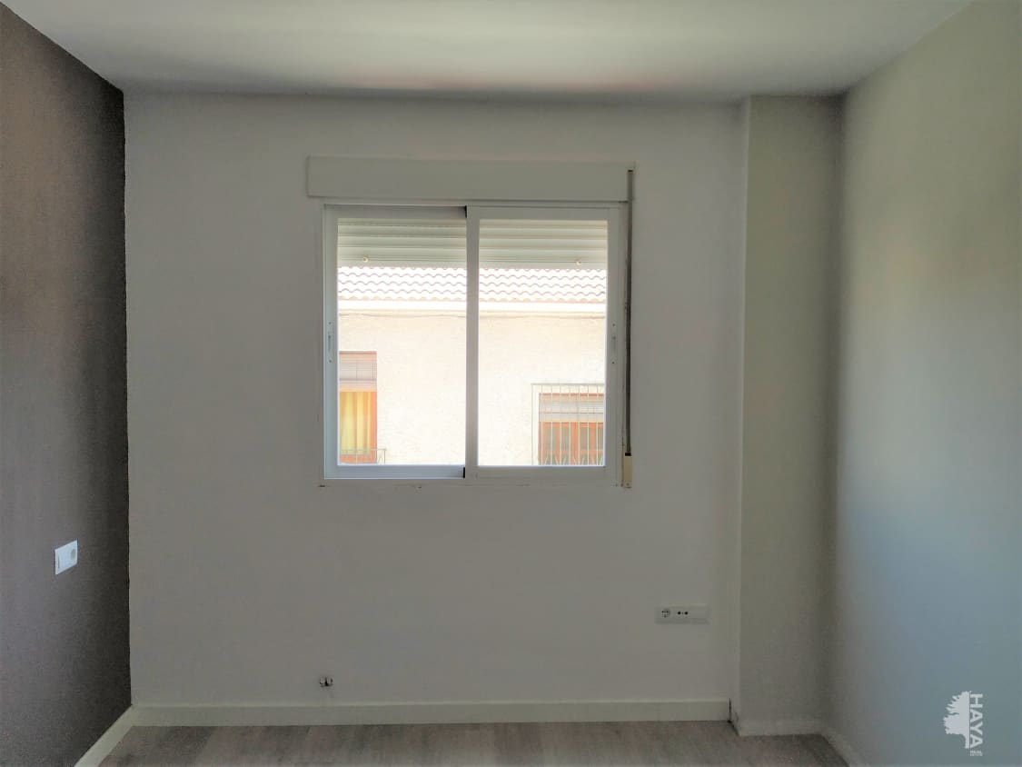 Piso en venta en Piso en la Gabias, Granada, 59.200 €, 3 habitaciones, 1 baño, 78 m2