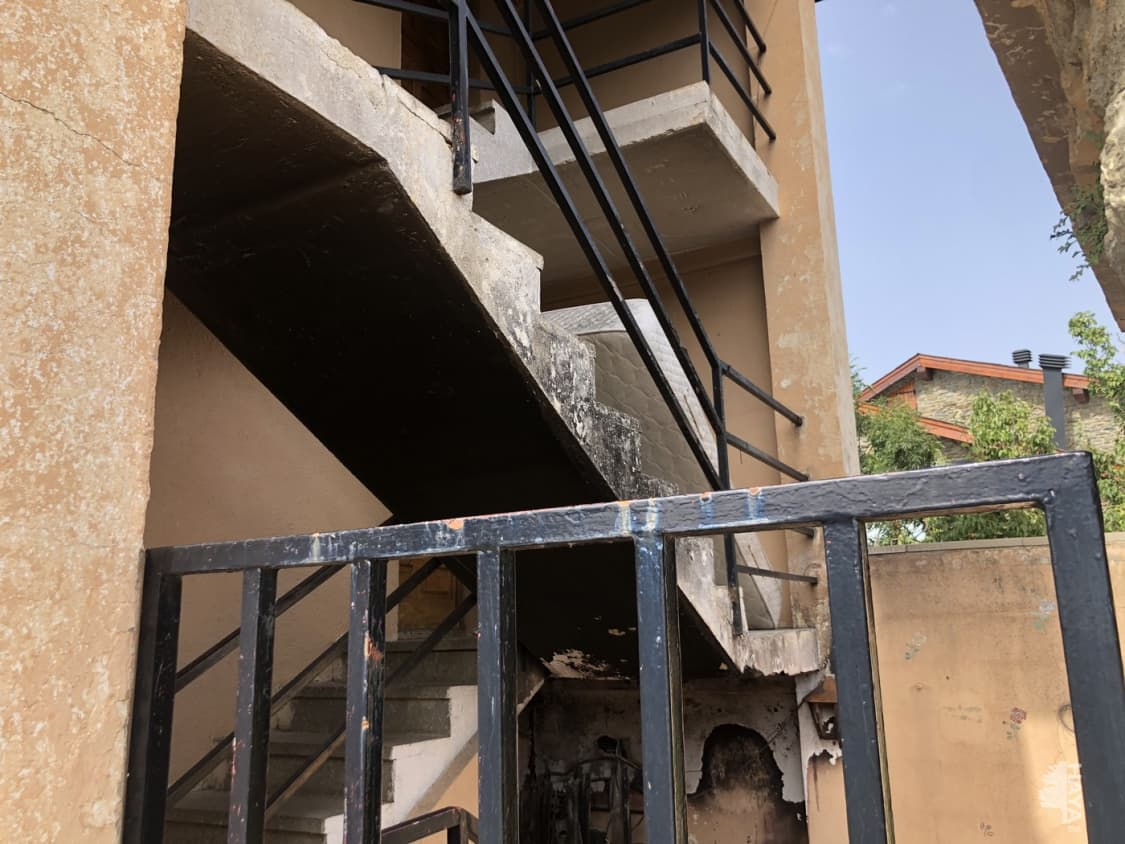 Casa en venta en Mas D`en Candi, Puigcerdà, Girona, Calle Major Vilallobent, 240.500 €, 3 habitaciones, 3 baños, 147 m2