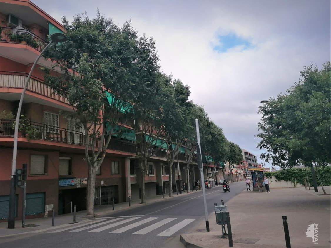 Piso en venta en Santa Coloma de Gramenet, Barcelona, Avenida Generalitat, Entreplant, 170.800 €, 4 habitaciones, 1 baño, 54 m2