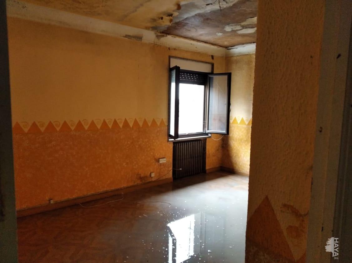 Casa en venta en La Reguera, Langreo, Asturias, Avenida Reguera, 51.000 €, 2 habitaciones, 1 baño, 97 m2