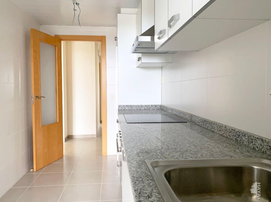 Piso en venta en Piso en Vinaròs, Castellón, 102.000 €, 4 habitaciones, 2 baños, 135 m2