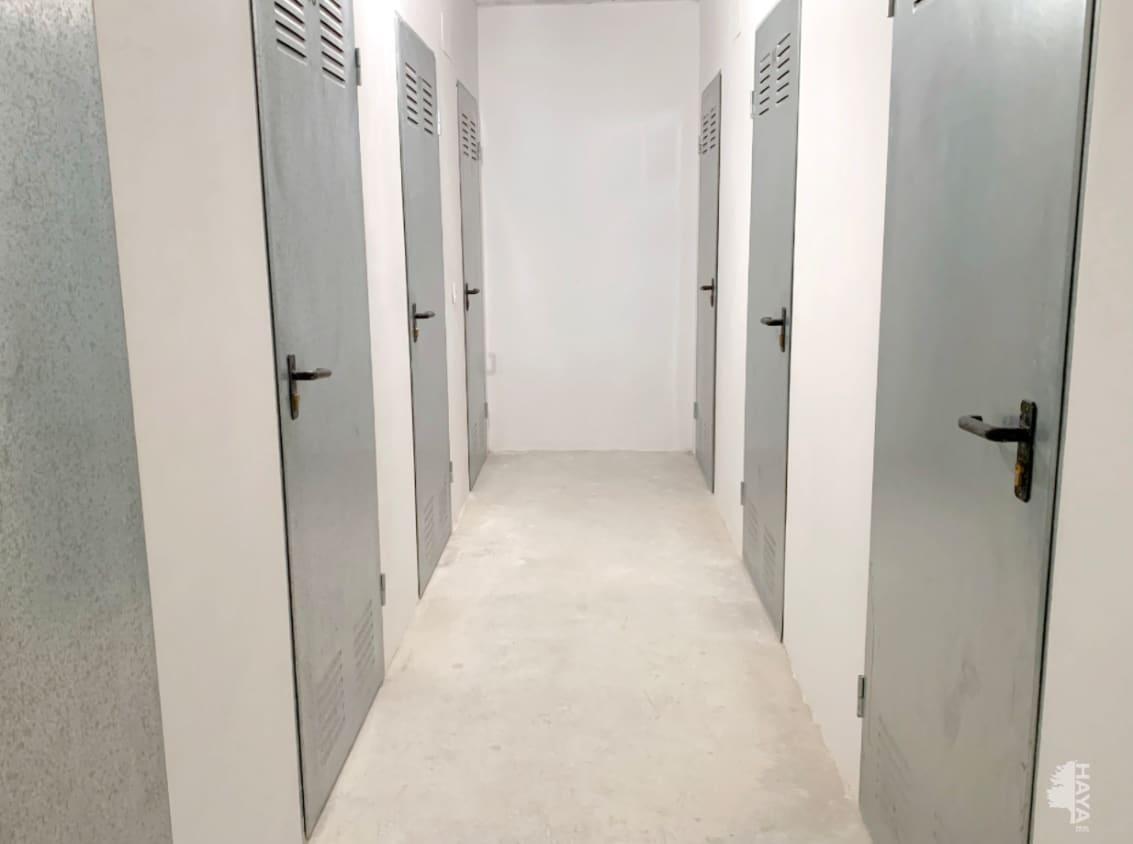 Piso en venta en Piso en Vinaròs, Castellón, 99.000 €, 4 habitaciones, 2 baños, 136 m2