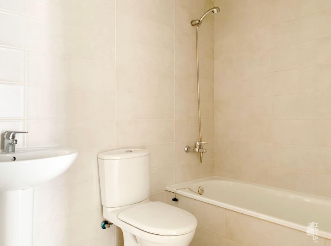 Piso en venta en Piso en Vinaròs, Castellón, 90.000 €, 3 habitaciones, 2 baños, 124 m2
