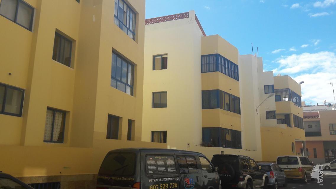 Piso en venta en La Oliva, Las Palmas, Calle Caballa (la), 140.400 €, 3 habitaciones, 2 baños, 100 m2