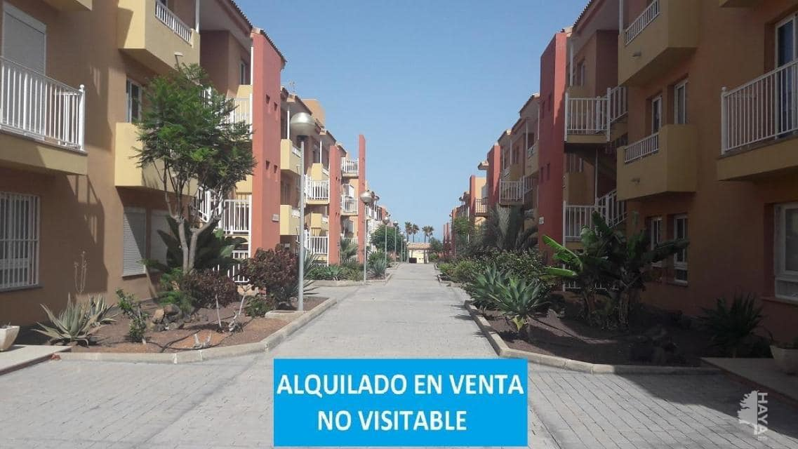 Piso en venta en La Oliva, Las Palmas, Calle Guirre, 143.700 €, 2 habitaciones, 1 baño, 73 m2