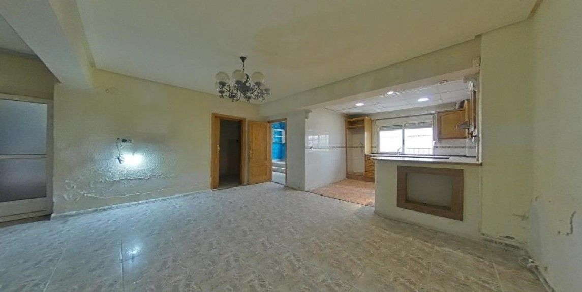 Piso en venta en Piso en Elche/elx, Alicante, 40.000 €, 3 habitaciones, 1 baño, 96 m2