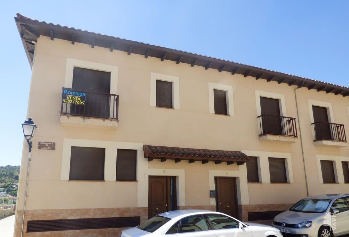Casa en venta en La Adrada, Ávila, Calle Machacalinos, 113.000 €, 4 habitaciones, 3 baños, 164 m2