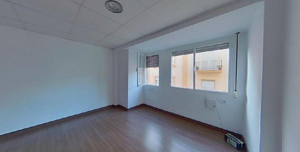 Piso en venta en Quatre Carreres, Valencia, Valencia, Calle Molina, 95.500 €, 2 habitaciones, 1 baño, 59 m2