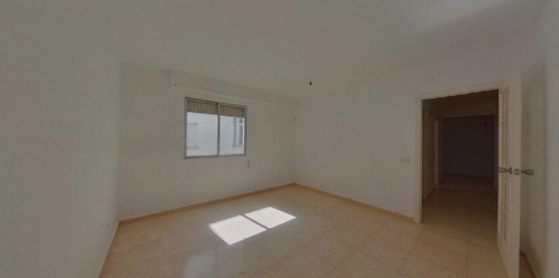 Piso en venta en Piso en Gandia, Valencia, 72.000 €, 3 habitaciones, 2 baños, 120 m2