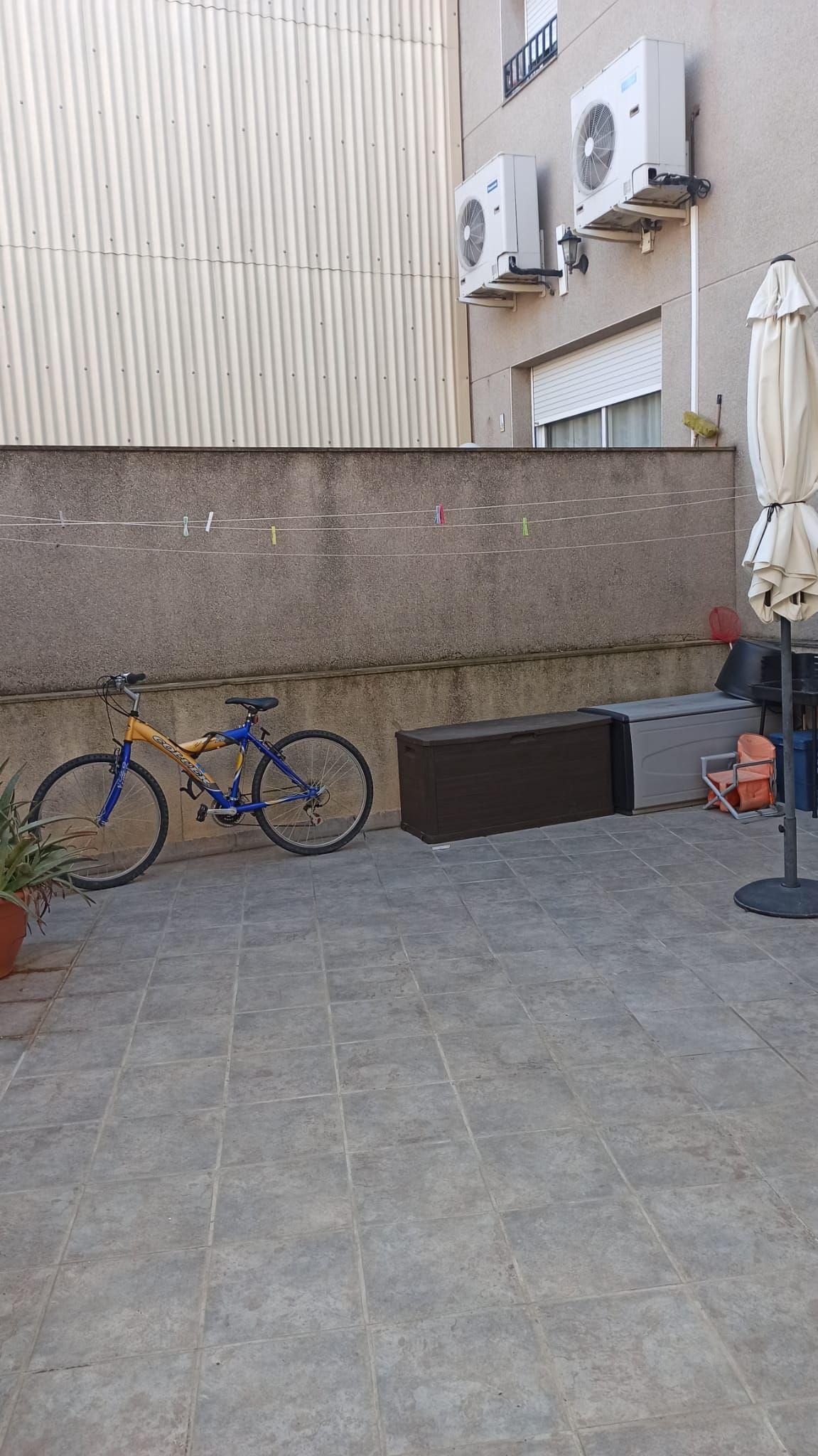 Piso en venta en Piso en L`arboc, Tarragona, 99.800 €, 3 habitaciones, 2 baños, 130 m2
