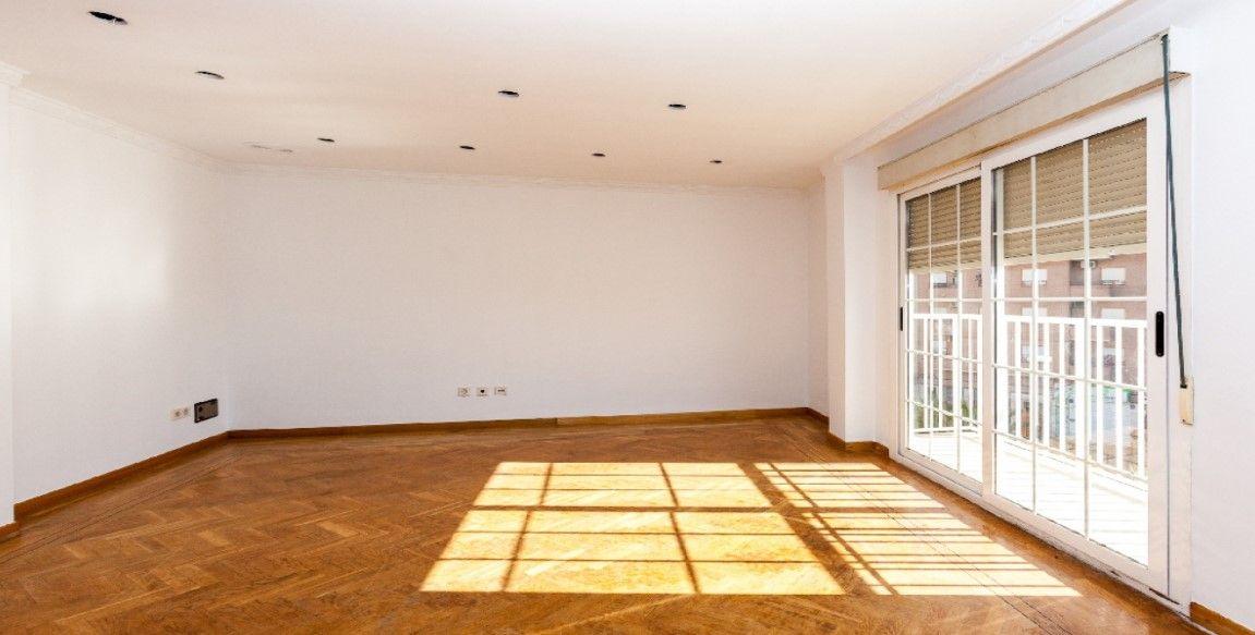 Piso en venta en Corts Valencianes, Elche/elx, Alicante, Calle Juan Diez Martinez, 94.000 €, 3 habitaciones, 1 baño, 112 m2
