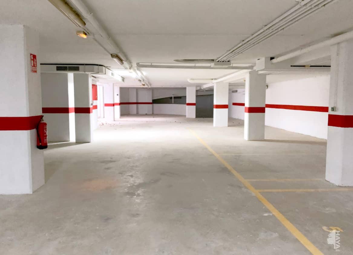 Piso en venta en Piso en Vinaròs, Castellón, 99.000 €, 4 habitaciones, 2 baños, 137 m2
