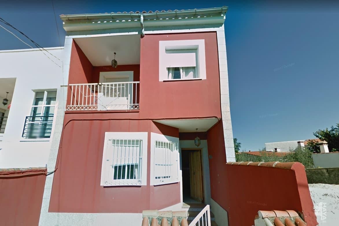 Casa en venta en Trujillo, Cáceres, Travesía del Regajo, 69.000 €, 3 habitaciones, 2 baños, 115 m2