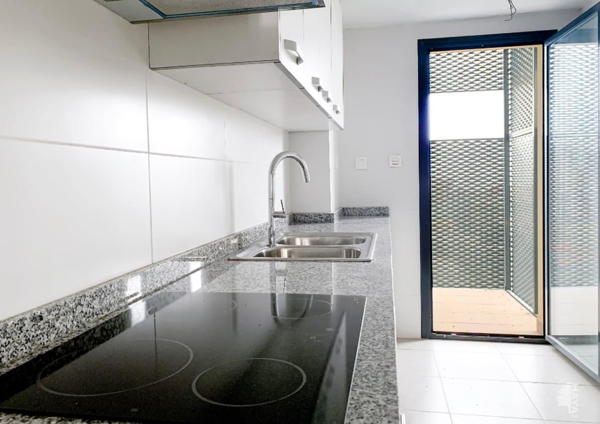Piso en venta en Piso en Vinaròs, Castellón, 104.000 €, 3 habitaciones, 2 baños, 122 m2