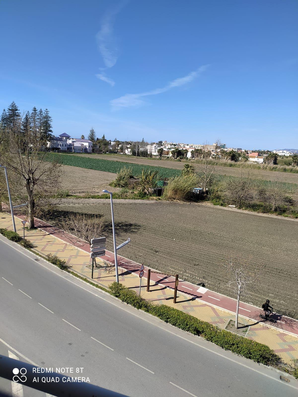 Piso en venta en Piso en Motril, Granada, 63.800 €, 2 habitaciones, 1 baño, 95 m2
