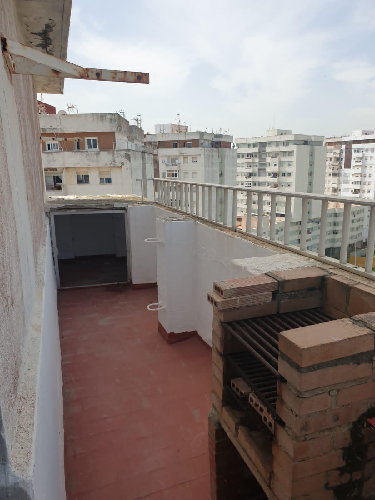 Piso en venta en Punta Carnero, Algeciras, Cádiz, Calle Federico Garcia Lorca, 45.000 €, 2 habitaciones, 1 baño, 75 m2
