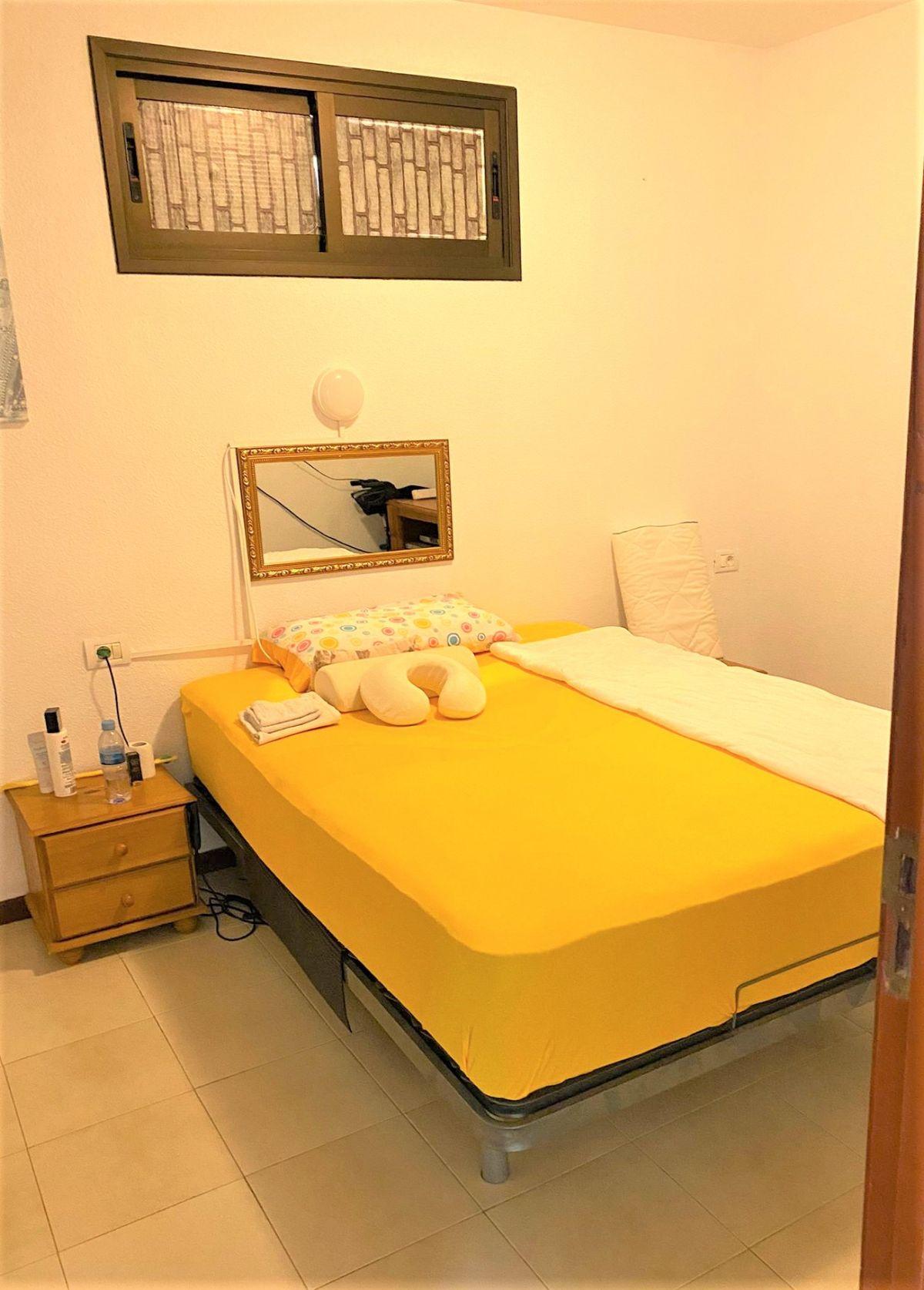 Piso en venta en Piso en Guía de Isora, Santa Cruz de Tenerife, 160.000 €, 2 habitaciones, 1 baño, 75 m2