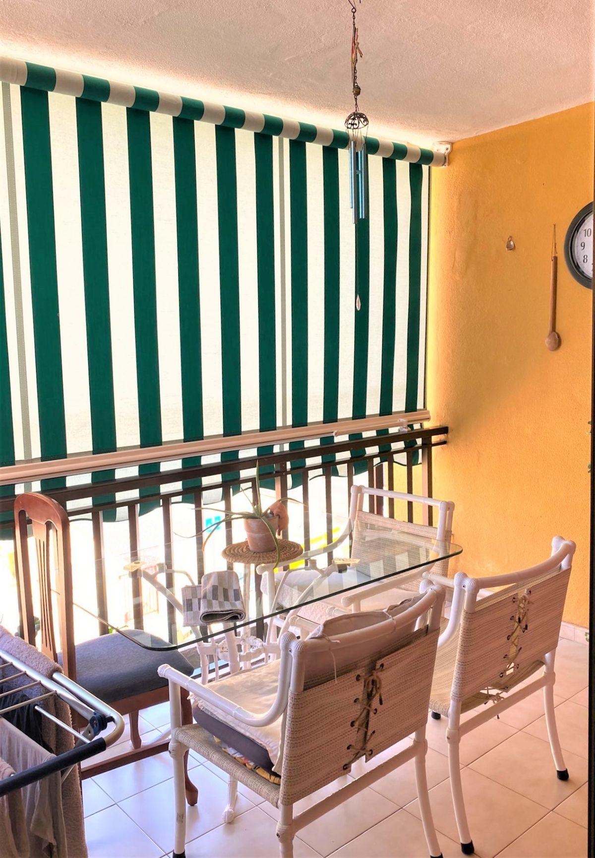 Piso en venta en Puerto Santiago, Guía de Isora, Santa Cruz de Tenerife, Calle Jose Gonzalez Gonzalez, 160.000 €, 2 habitaciones, 1 baño, 75 m2