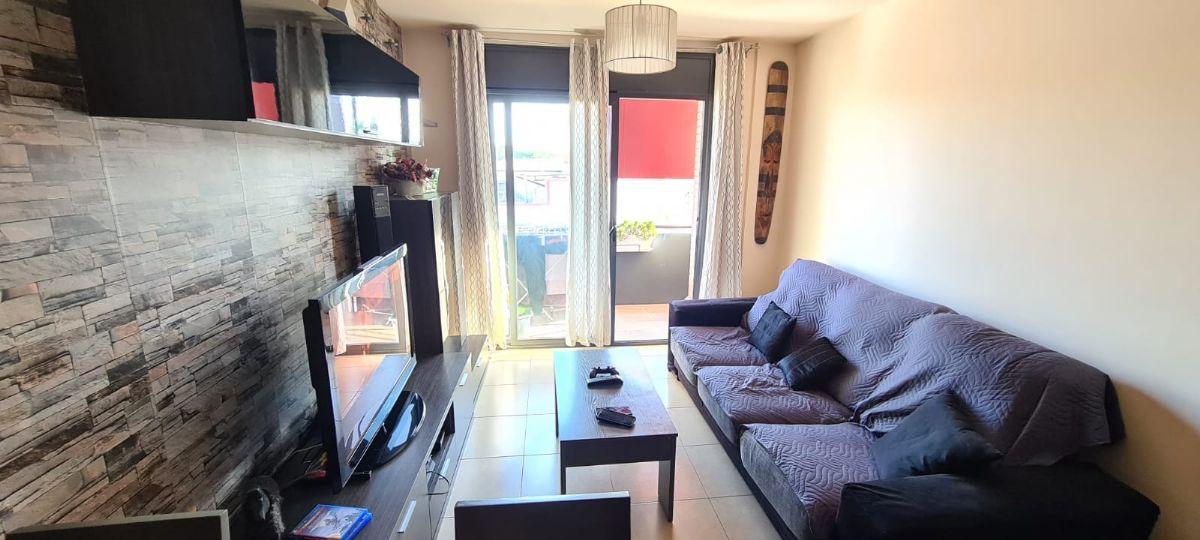 Piso en venta en Sils, Girona, Travessera la Rambla, 155.000 €, 3 habitaciones, 1 baño, 70 m2