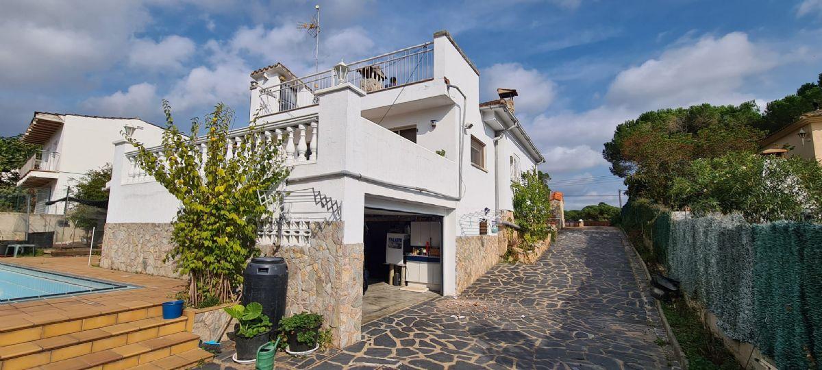 Casa en venta en Sils, Girona, Calle Guepard, 185.000 €, 3 habitaciones, 2 baños, 193 m2