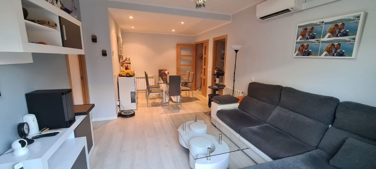 Piso en venta en Sils, Girona, Calle Esglesia, 140.000 €, 3 habitaciones, 2 baños, 105 m2