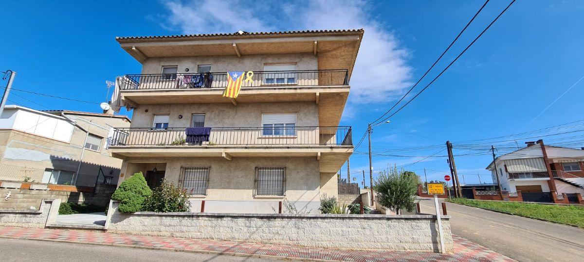 Casa en venta en Esquibien, Riudarenes, Girona, Calle Prudenci Bertrana, 240.000 €, 6 habitaciones, 4 baños, 426 m2