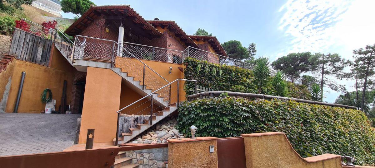 Casa en venta en Esquibien, Lloret de Mar, Girona, Pasaje de la Dalias, 525.000 €, 4 habitaciones, 4 baños, 315 m2