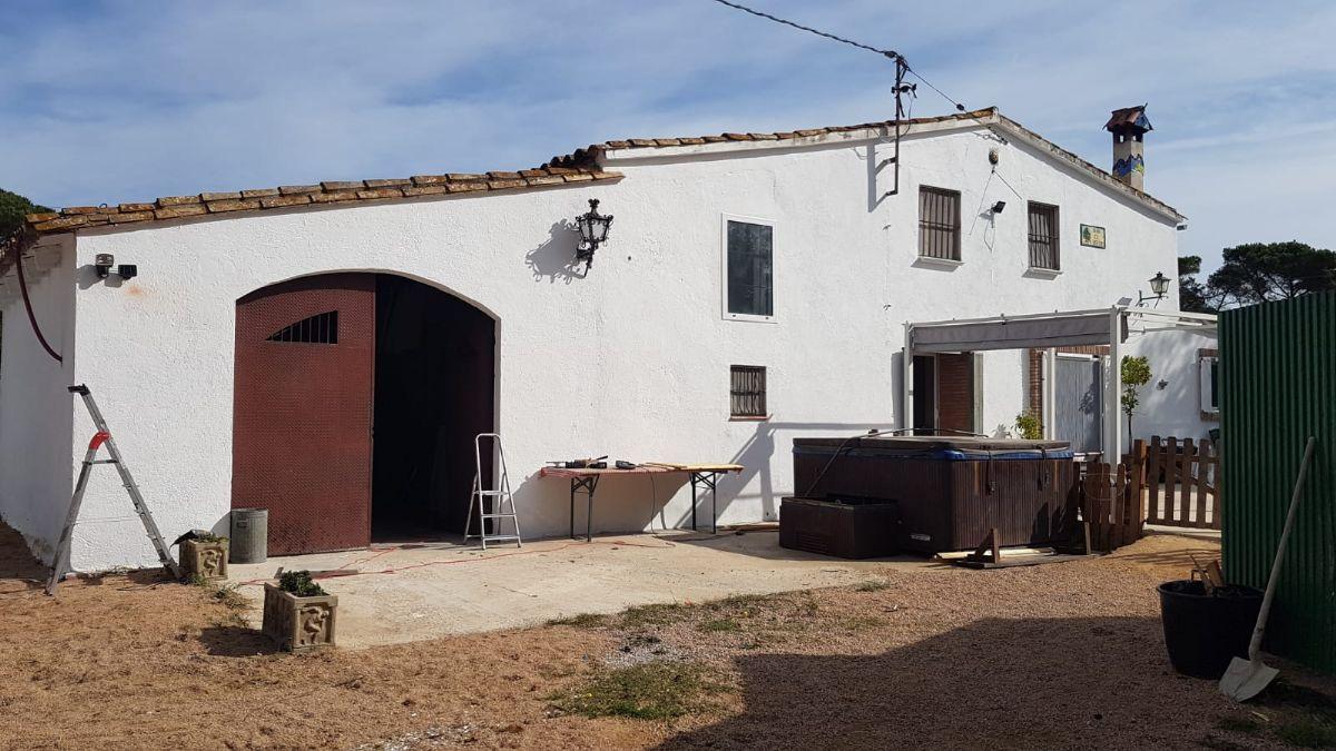 Casa en venta en Maçanet de la Selva, Girona, Calle Polígono 4 Parcela 65, 425.000 €, 5 habitaciones, 3 baños, 266 m2