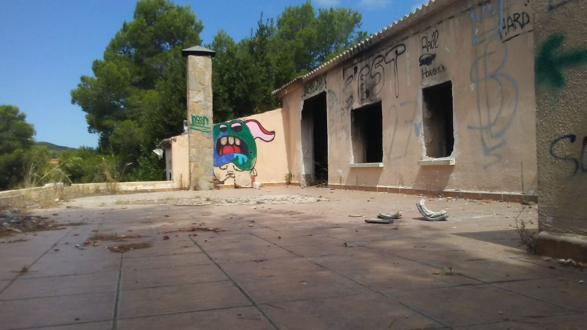 Casa en venta en Casa en la Bisbal del Penedès, Tarragona, 58.900 €, 3 habitaciones, 2 baños, 126 m2