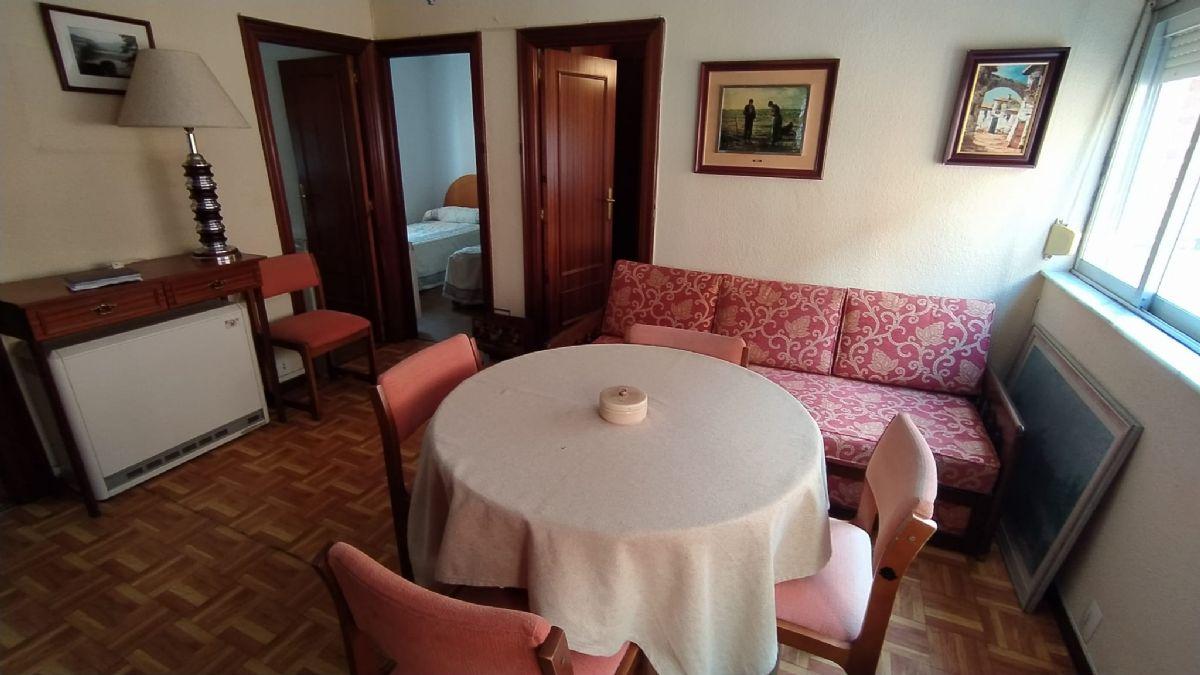 Piso en venta en Garrido Norte, Salamanca, Salamanca, Calle Isaac Peral, 58.000 €, 3 habitaciones, 1 baño, 68 m2