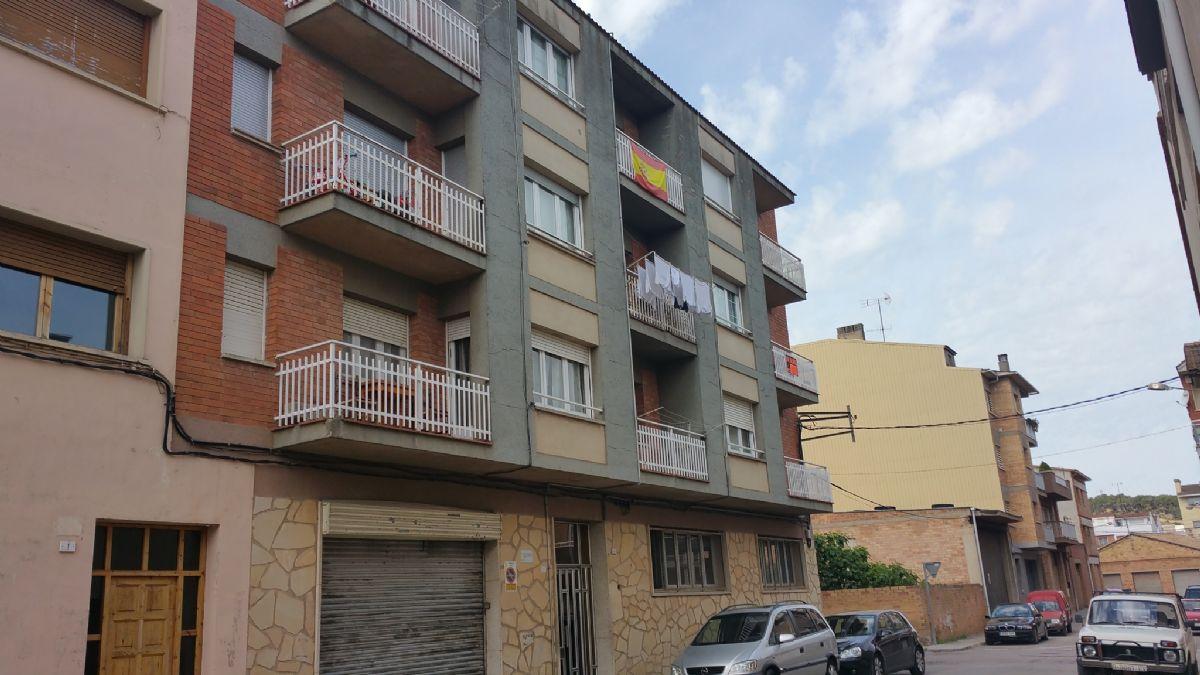 Piso en venta en Torre del Gil, Navàs, Barcelona, Calle Sallent, 57.875 €, 3 habitaciones, 82 m2